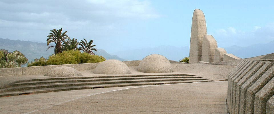 language-monument-paarl-africa-adventure.jpg