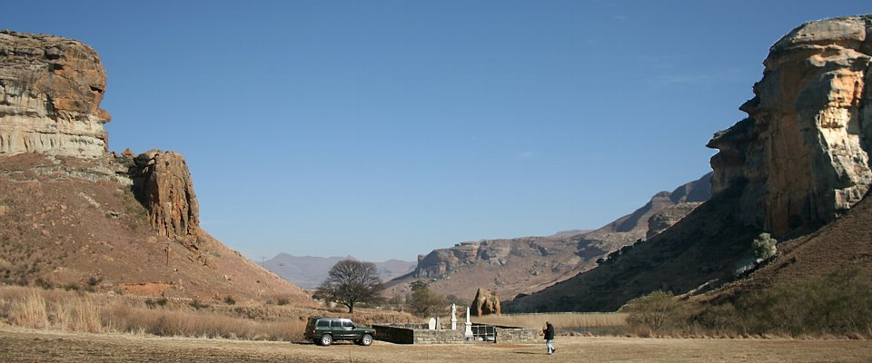 golden-gate-drakensberg-africa-adventure.jpg
