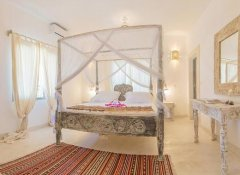 En-suite room at Alawi Boutique Hotel on Watamu beach