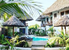 2nd pool at Aluna Beach Lodge Accommodation in Zanzibar
