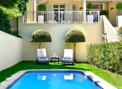 Auberge Daniella, Accommodation in Franschhoek