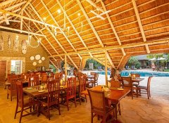 Bayete Guest Lodge - Caldecott Dining Boma