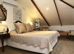 Centre-Ville Guest House, Accommodation in Franschhoek