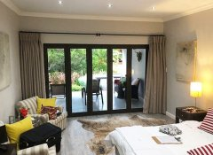 Christofphs Guesthouse's quality lodging in Bonnievale