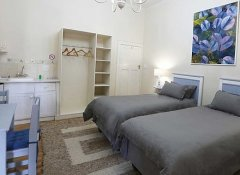 Twin guest room at Green Olive Guesthouse in Robertson