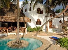 Hodi Hodi Zanzibar's Dua beach house with pool