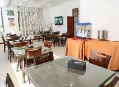 Breakfast room at Hotel de Mag in Dar es Salaam