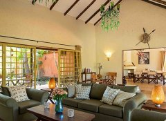 Lounge dining area of Villa Agame Pache at Kili Villa