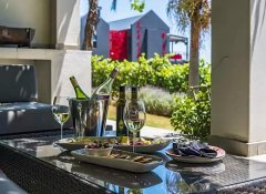 Kunjani wines and restaurant view at Kunjani Cottages