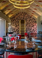 Kunjani Cottages with modern restaurant in Stellenbosch