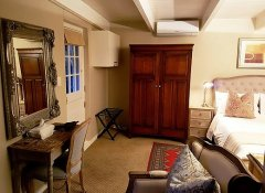 Maison Chablis Guest House, Accommodation in Franschhoek