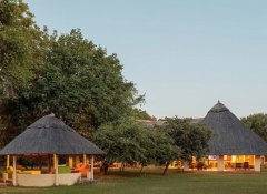 Marula Lodge - communal areas at sunset