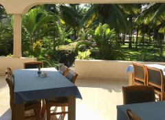 Bougainvillea restaurant at Oceanic Bay Hotel & Resort