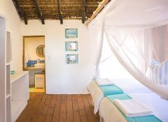 Twin en-suite room at Paradise Dunes lodging in Inhambane