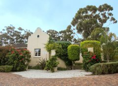 Somerset Villa, Accommodation in Somerset West