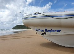 Dive boat of Triton Dive Charters at Sodwana Bay beach