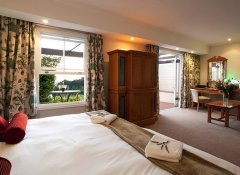 Zevenwacht Country Inn, Accommodation in Cape Town
